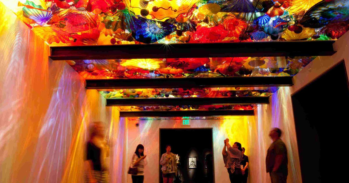 Modern Black White And Gold Wedding At Chihuly Garden And Glass